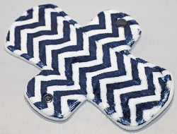 7.5 Inch Navy Blue Mini Chevron Minky Pantyliner