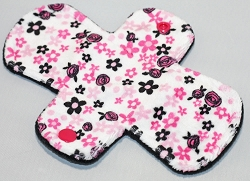 7.5 Inch Adore Floral Minky Regular Cloth Pantyliner