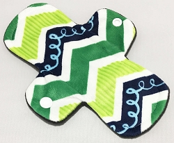 7.5 Inch Green Squiggles Minky Regular Cloth Pantyliner
